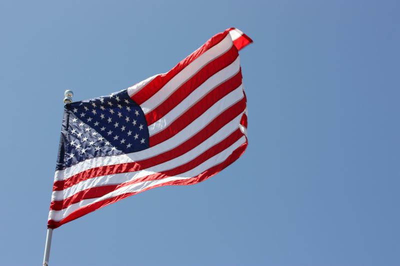 By Michael Dorausch (Flickr: American flag) [CC-BY-SA-2.0 (http://creativecommons.org/licenses/by-sa/2.0)], via Wikimedia Commons
